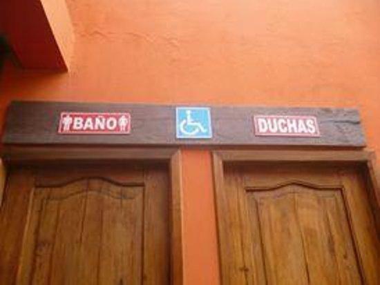 Albergue Turístico Dannita: Banos Publicos