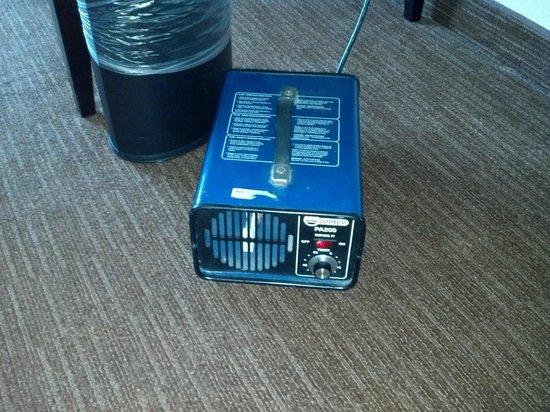 Hilton Garden Inn Nashville Airport: ozone machine