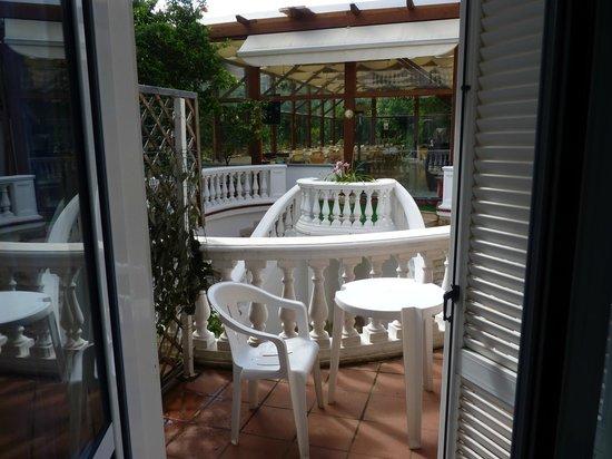 Sorrento Town Suites: Balcon terraza