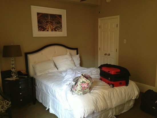 The Kensington Park Hotel : Bedroom