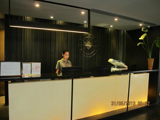 Citrus Sukhumvit 13 by Compass Hospitality: Hotel receiption - great staffs great service.