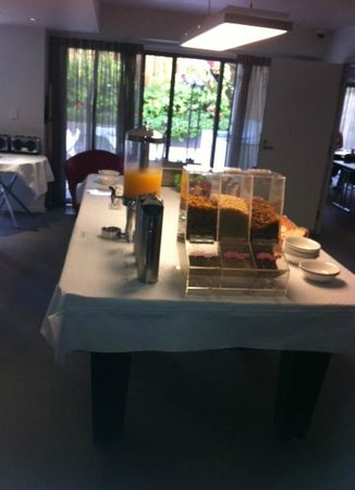 Essence Serviced Apartments: buffet breakfast on pool table