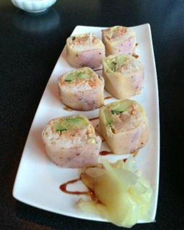 Zen Japanese Restaurant: Sakura Roll