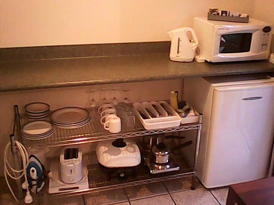 Lake Point Motel : Kitchenette and appliances