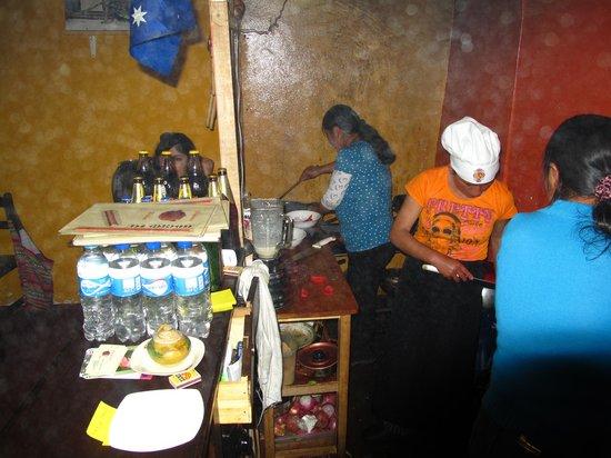 Seledonia's Mesa: This tiny kitchen creates amazing dihes!