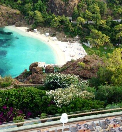 D Maris Bay: the quiet beach