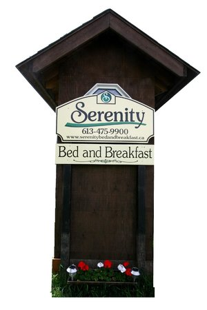 Serenity on the Lake Bed and Breakfast: Look For Our Sign