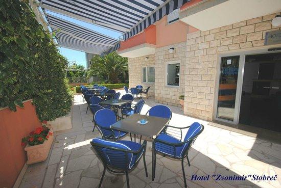 Hotel Zvonimir : Terrace