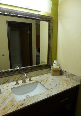 Super 8 Moab: Guest room sink vanity