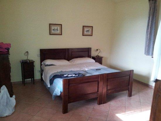 camera da letto: fotografía de Antica Tenuta Le Casacce, Seggiano ...