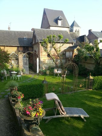 Logis d'Eawy : The delightfully unexpected back garden.