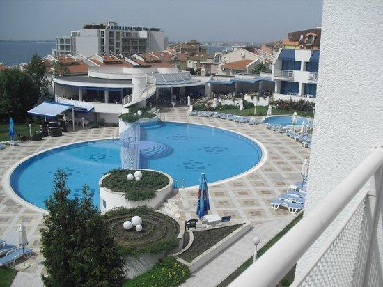 PrimaSol Sineva Park: бассейн
