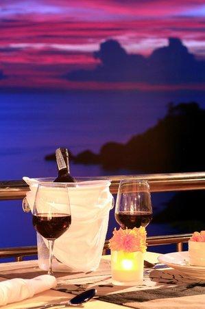Pinnacle Koh Tao Resort: Dinner on the terrace