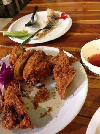 Paitung Restaurant: Fried chicken appetizer - Tasty