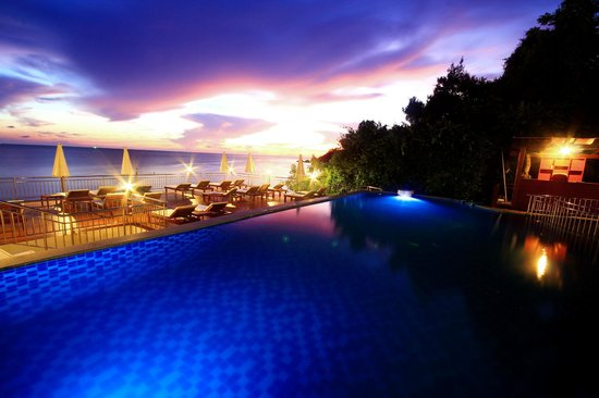 Pinnacle Koh Tao Resort: Sunset pool view