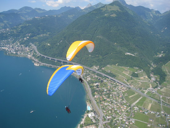 EasyParapente Montreux Paragliding Tandem Flight Center