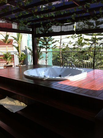 Country Hotel: Private Jacuzzi view A