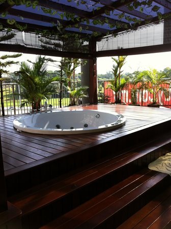Country Hotel: Private Jacuzzi view B