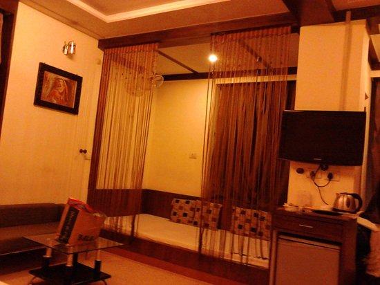 Usha Kiran Palace Hotel & Tower: interior of the room