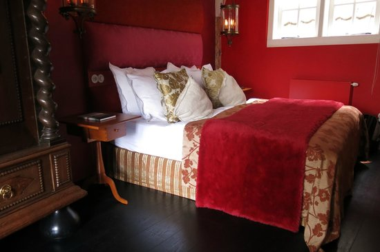 Boutique B&B Kamer01: The Red Room