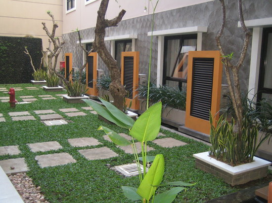 Hotel Jentra Dagen : Garden in the hotel