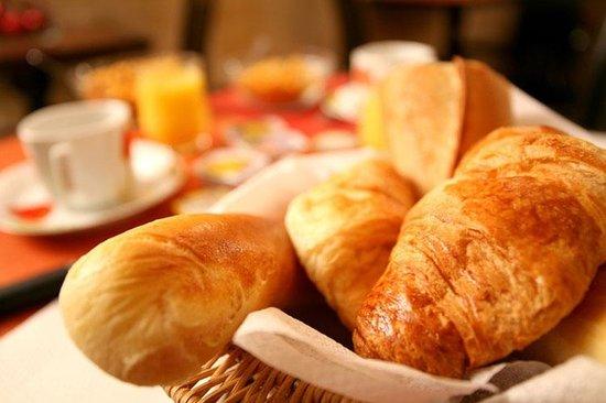 Hotel de l'Alma: Breakfast