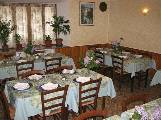 La nostra sala da pranzo: rustica e accogliente - Foto di ...