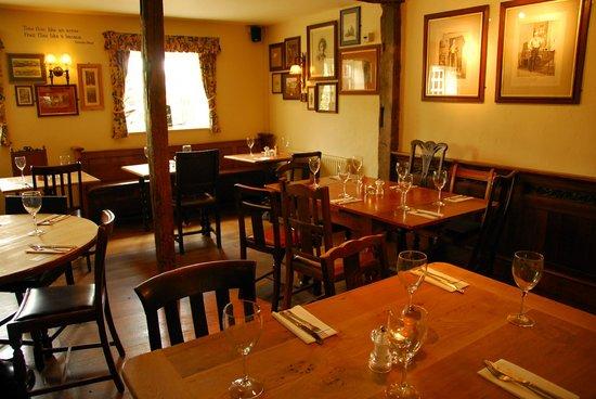 St. Peters Finger: Elegant Dining Room