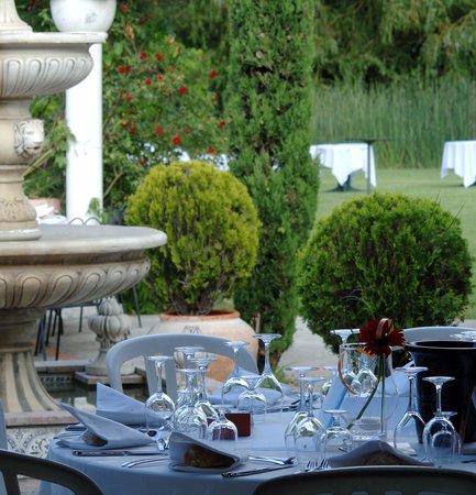 Le Clos des Lys : Restaurant Clos des Lys - Terrasse