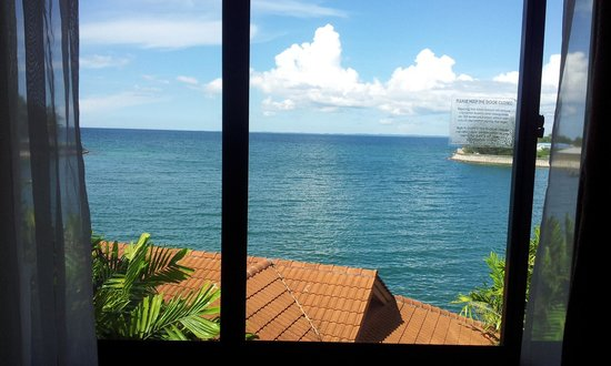 Kudat Golf and Marina Resort: ocean view from deluxe room