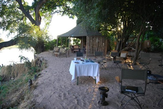 Goliath Safaris Luxury Tented Camp : The camp at the river's edge