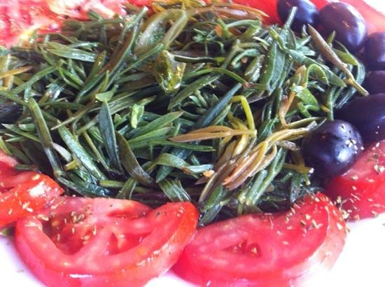 Rementzo Taverna: Kritama, salad leaves from Paraglia,
