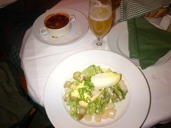 Wirtshaus Zum Leupold: Goulash soup and asparagus