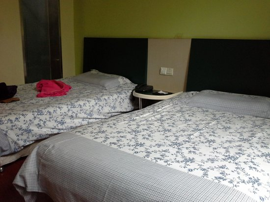 Motel 168 Huangshan Binjiang Middle Road: spacious and comfortable rooms