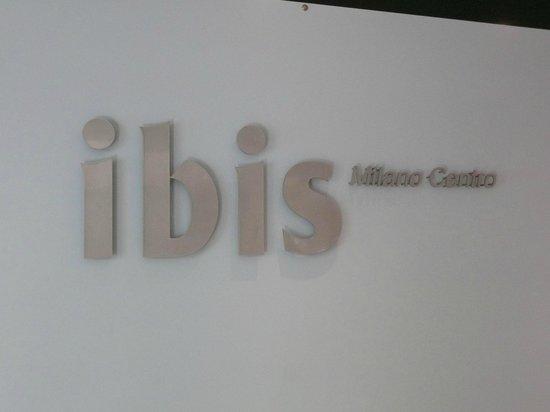 Ibis Milano Centro: Signage
