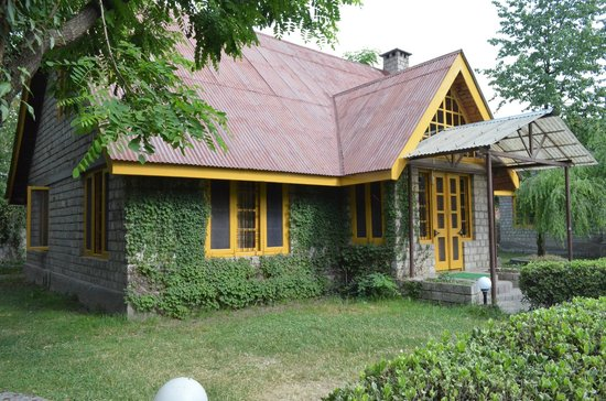 Leela huts