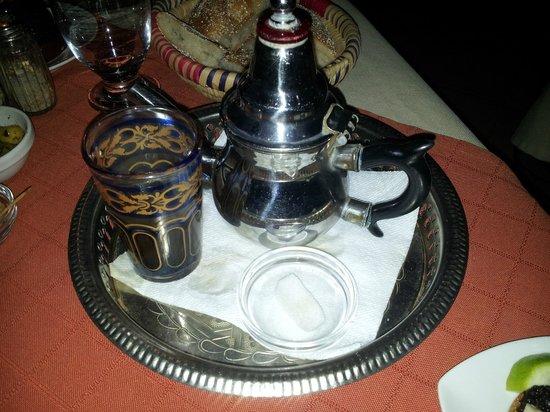 Dar Mounia : un bon verre de thé