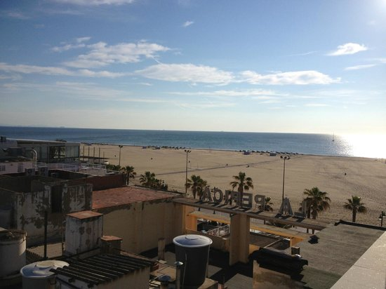 Hotel Neptuno: Beach view from room terrace