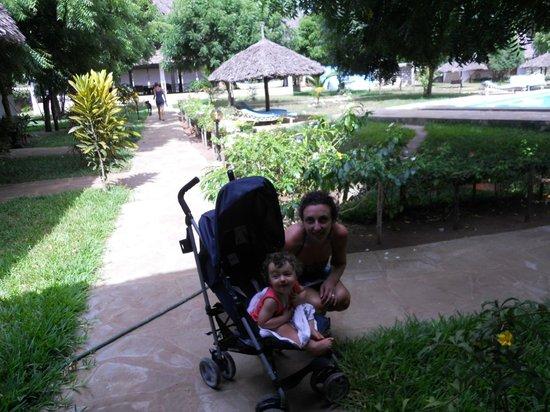 hotel Eco Lodge Jua Bahari : in giro per il villaggio