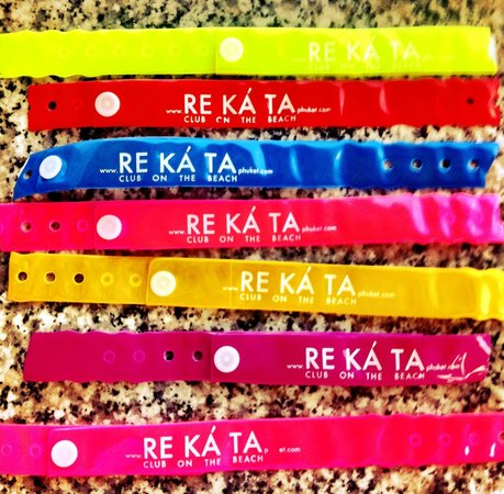 Re Ka Ta Beach Club: A new color every day :)