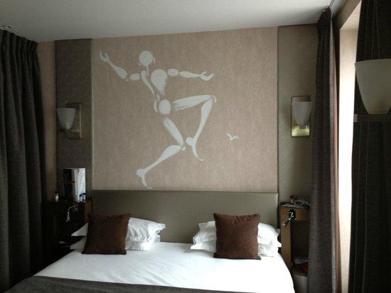 Hotel des Academies et des Arts: Unique wall decoration