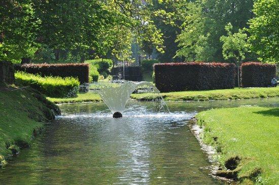 jeux d 39 eau picture of les jardins d 39 annevoie annevoie. Black Bedroom Furniture Sets. Home Design Ideas