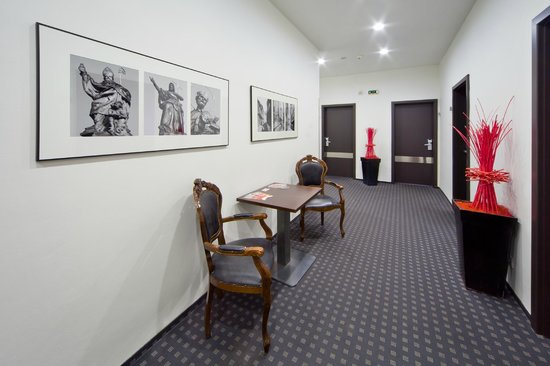 Prague Inn: corridor