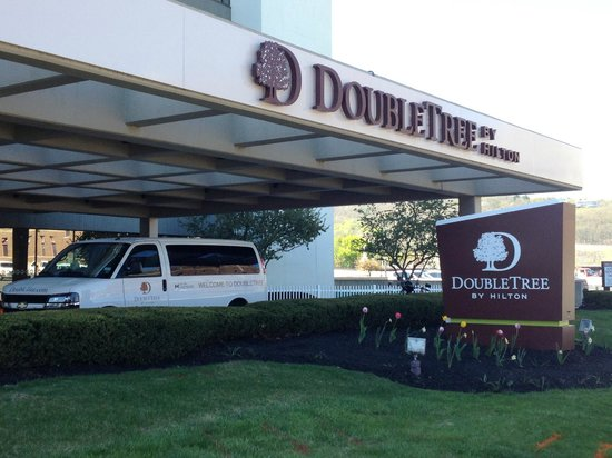 DoubleTree by Hilton Binghamton: Hotel Exterior