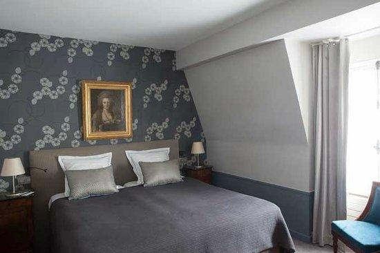 Hotel des Saints-Peres: A suite / Une suite