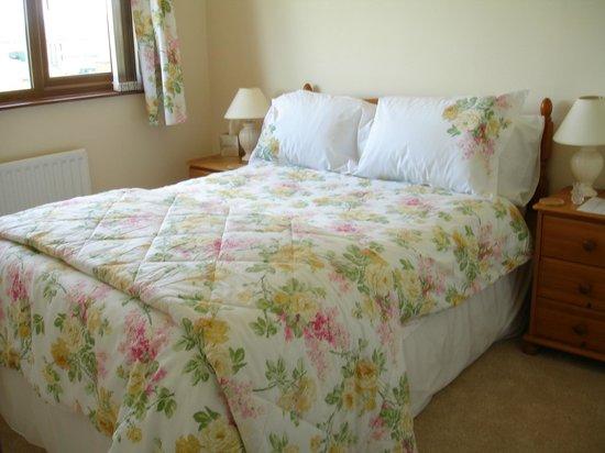 Amarisa Bed & Breakfast: Floral Garden Double Room Upstairs