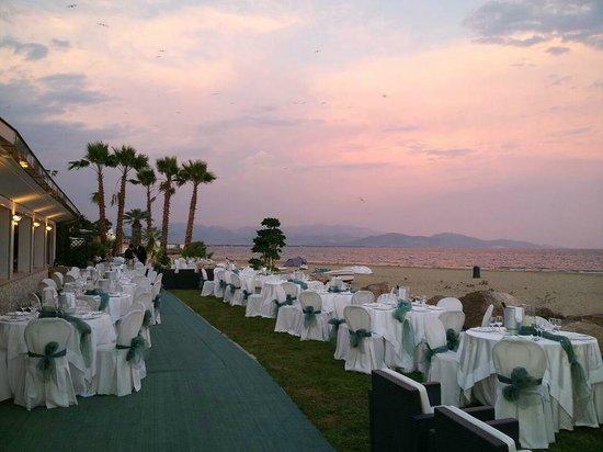 Matrimonio Spiaggia Terracina : Matrimonio sulla spiaggia foto di la capannina