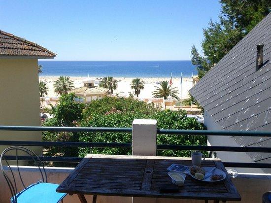 Villa Joaninha: View from the balcony to the beach