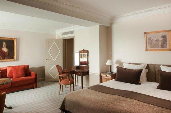 Hotel Brighton - Esprit de France : Guestroom / Chambre