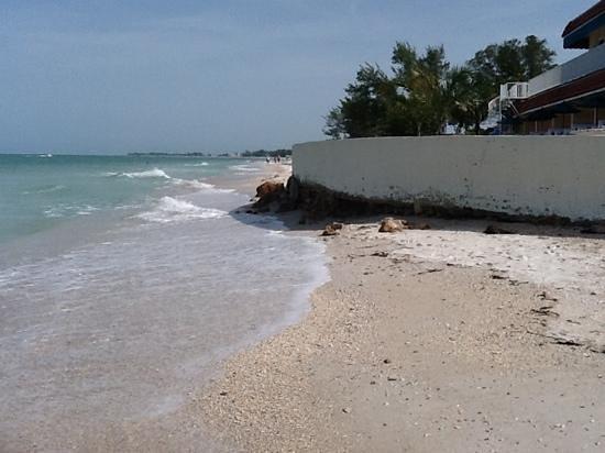 Seaside Beach Resort: Add a caption
